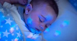 bien habiller bébé pour bien dormir